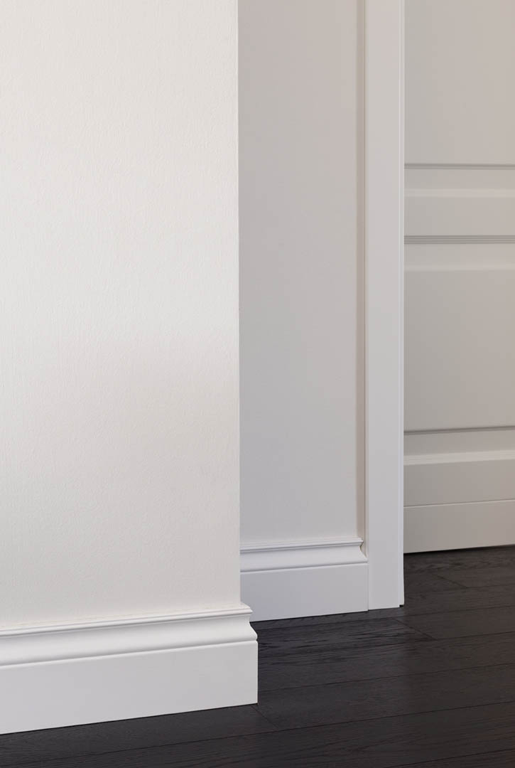 battiscopa bianco massello stile inglese